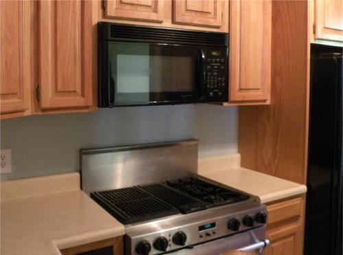 Fairview_kitchen3