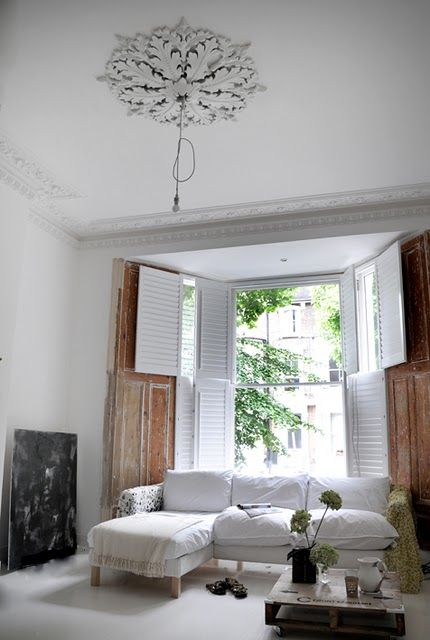 GDI - white living room