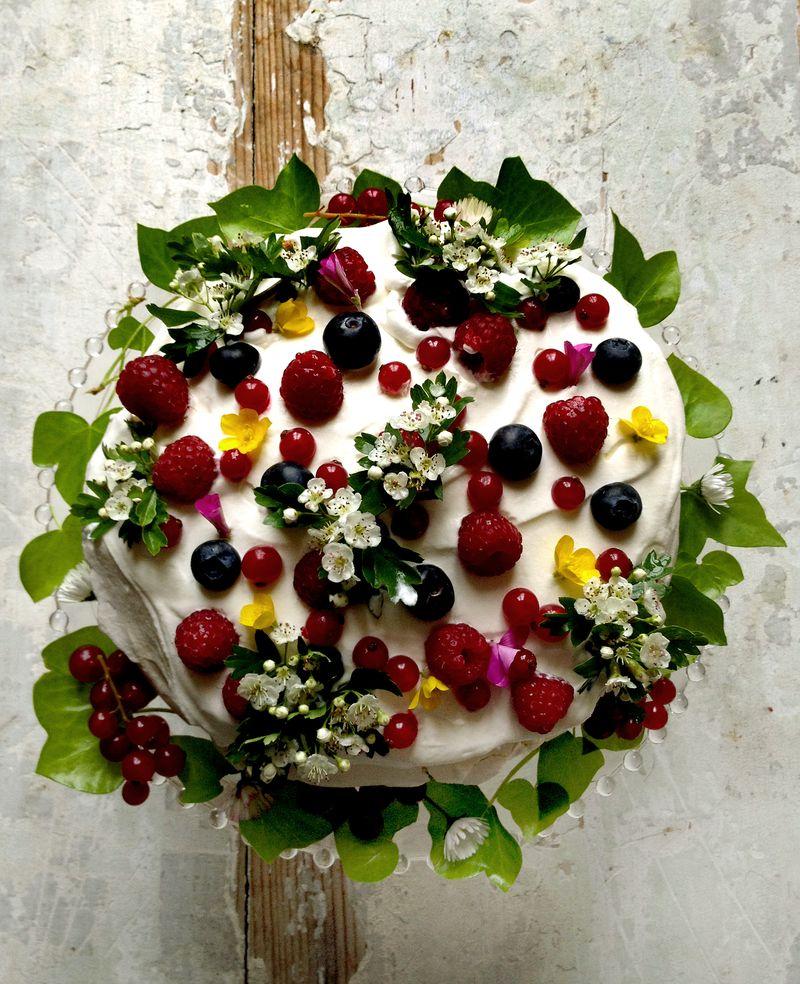 GDI - Mimi Thorisson Garden Cake