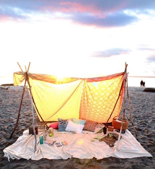 GDI - AT pitch a beach tent
