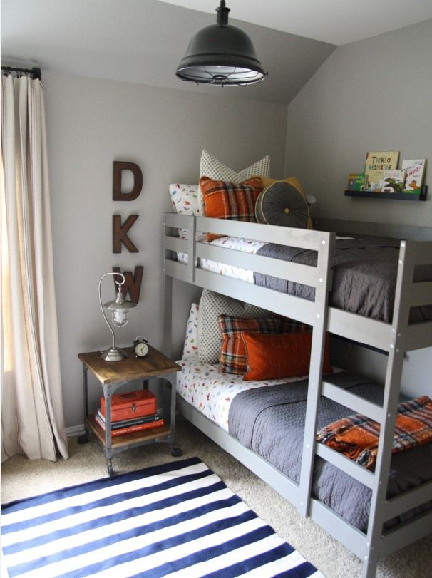 GDI - bunk bed + end table